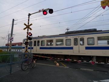 10072501R496の日豊本線踏切.JPG